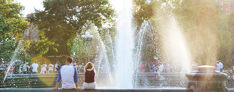 都会のオアシス、ワシントンスクエアパーク