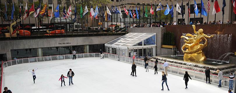 ニューヨークの冬は、街中でアイススケート三昧!